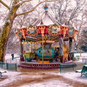 The lonely carousel, Parc de Monceau (Snow in April III)